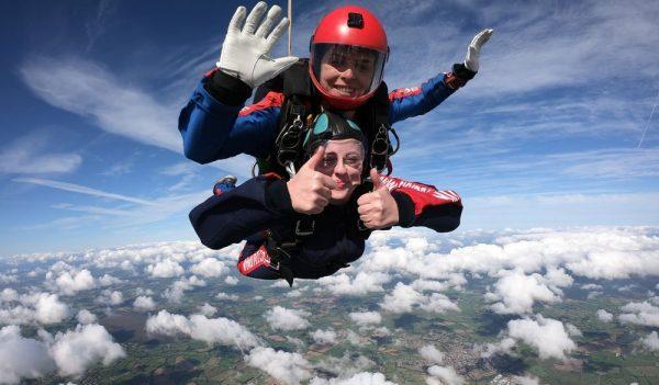 Skydive Thumb up
